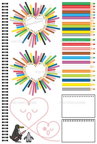 コピースペースワンポイントカットイラストデザイン素材「ペンギンの親子ハート型色鉛筆スケッチブック」カラフルの写真素材 [FYI00224513]