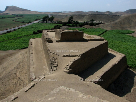 パラモンガ要塞(ペルー)の写真素材 [FYI00225629]