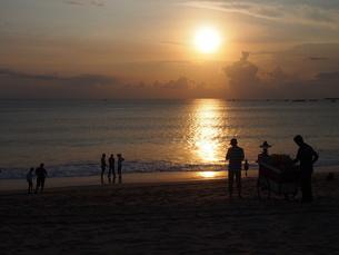 バリの夕日の写真素材 [FYI00225670]