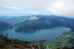 男体山山頂より中禅寺湖の写真素材 [FYI00225717]