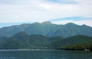 61. 中禅寺湖から奥白根山の写真素材 [FYI00225783]
