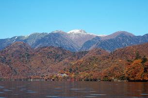 211. 初冠雪奥白根山の写真素材 [FYI00225920]