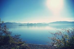 朝の十和田湖の素材 [FYI00226181]