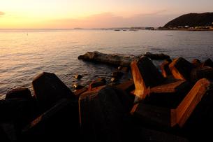 葉山の海夕暮れの素材 [FYI00226284]