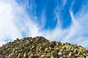 瓦礫の山頂の写真素材 [FYI00226531]