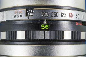 カメラレンズ・シャッター速度と絞りの素材 [FYI00226550]