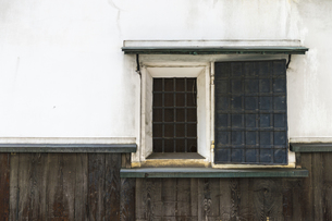 蔵の窓の写真素材 [FYI00226590]