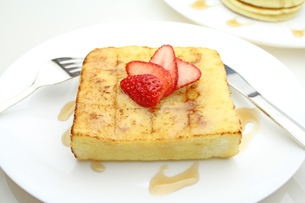 フレンチトーストの写真素材 [FYI00227310]