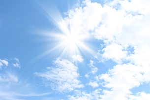 青空と太陽の写真素材 [FYI00227691]