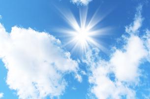 青空と太陽の写真素材 [FYI00227752]