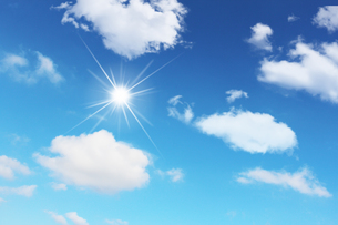 青空と太陽の写真素材 [FYI00227769]