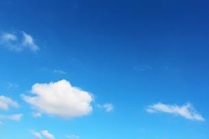 青空と雲の写真素材 [FYI00227833]