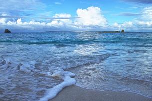 朝の海岸の写真素材 [FYI00227863]