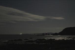月明かりに光る太平洋の写真素材 [FYI00228734]