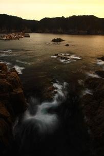潮動く三陸海岸の写真素材 [FYI00228802]
