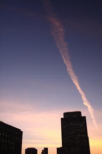 夕焼け染まる大阪、堂島の写真素材 [FYI00228957]