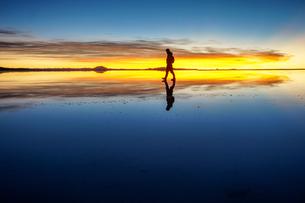 ウユニ塩湖、ボリビアの写真素材 [FYI00229160]