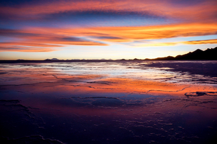 ウユニ塩湖、ボリビアの写真素材 [FYI00229165]