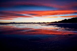 ウユニ塩湖、ボリビアの写真素材 [FYI00229166]