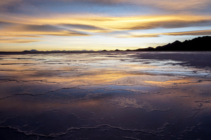 ウユニ塩湖、ボリビアの写真素材 [FYI00229167]
