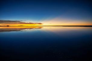 ウユニ塩湖、ボリビアの写真素材 [FYI00229174]