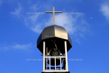 青空と鐘塔の写真素材 [FYI00229920]