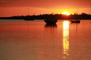 ケルケナ諸島の落日(横)の写真素材 [FYI00229927]