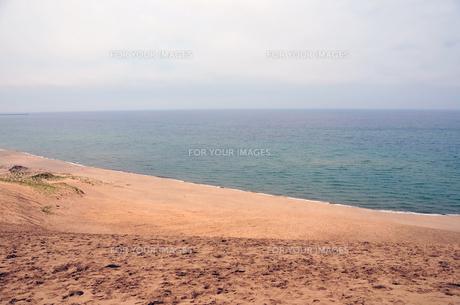 鳥取砂丘と日本海の写真素材 [FYI00230656]