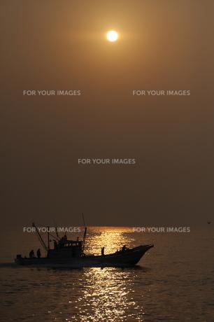 出漁の写真素材 [FYI00230688]