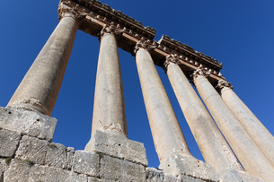 世界遺産バールベック、ジュピター神殿の大列柱の写真素材 [FYI00230728]
