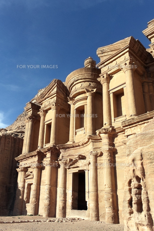 ヨルダン世界遺産ペトラの修道院跡の写真素材 [FYI00230750]