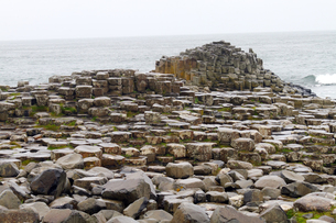 ジャイアンツコーズウェイ、六角形の岩 の写真素材 [FYI00230752]