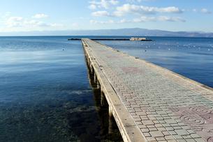 世界遺産オフリド湖の桟橋の写真素材 [FYI00230780]
