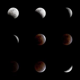 皆既月食の経過(月食2011年12月10日-12月11日)の写真素材 [FYI00230805]