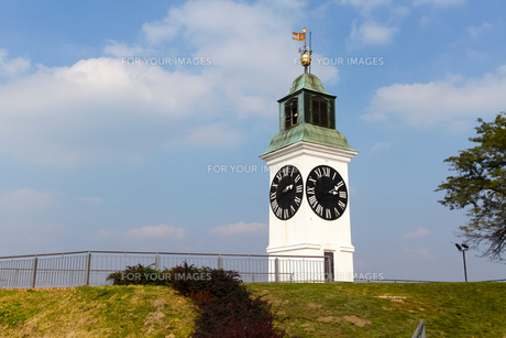 ペトロヴァラディン要塞の時計塔の写真素材 [FYI00231059]