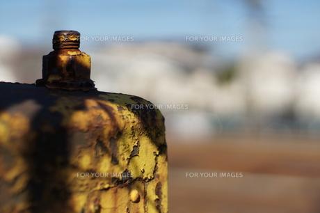 線路脇の鉄の写真素材 [FYI00231125]