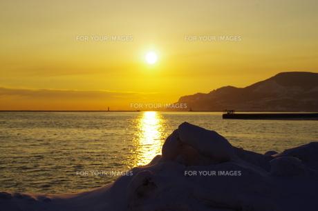 小樽の日の出の写真素材 [FYI00231246]