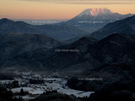 明智峠からの大山南壁の写真素材 [FYI00231368]