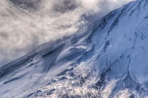 富士山の斜面にみる大気のうねりの写真素材 [FYI00231520]