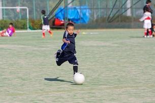 サッカー少年の写真素材 [FYI00231702]