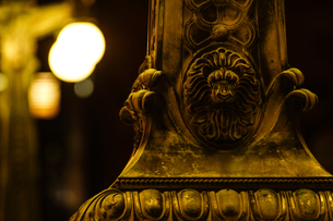 街灯のライオンの写真素材 [FYI00232144]