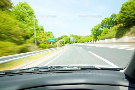 高速道路の車窓の素材 [FYI00232416]