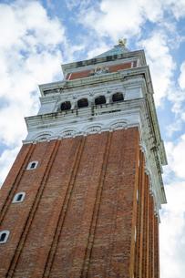 青空と鐘楼の写真素材 [FYI00232935]