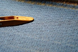 織布と杼(ひ)の写真素材 [FYI00233490]
