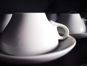 伏せたティーカップ&ソーサーの写真素材 [FYI00233906]