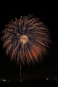 調布市花火大会 2012年 大輪のカラフルな花の写真素材 [FYI00234974]