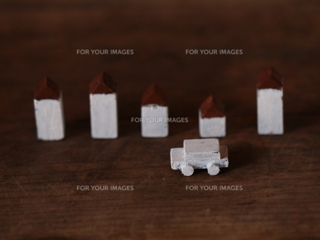 車と家の写真素材 [FYI00236351]