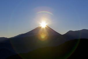 ダイヤモンド富士 日の出の写真素材 [FYI00236668]