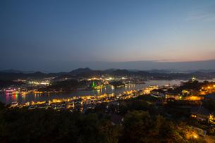尾道 夜景の写真素材 [FYI00236702]