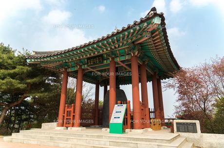 世界遺産 水原華城 孝園の鐘の写真素材 [FYI00236793]